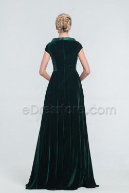 Dark Green Modest Velvet Bridesmaid Dresses with Pockets
