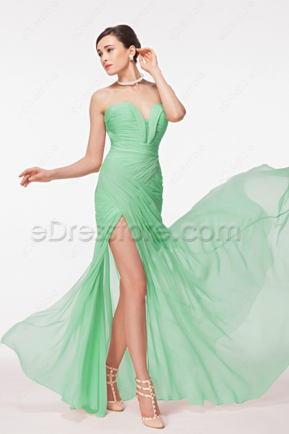 Sweetheart Sexy Green Flowy Prom Dress with Slit
